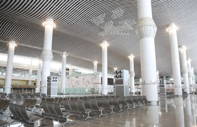 آثار هنرمندان تجسمی در فرودگاه امام خمینی (ره)