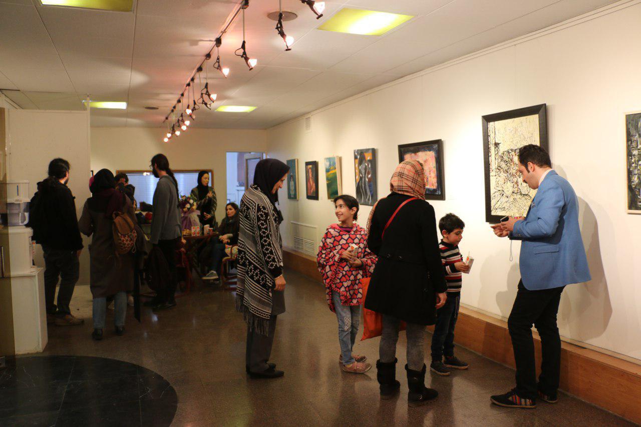 """گزارش تصویری نمایشگاه """"همزاد"""" در فرهنگسرای شفق"""