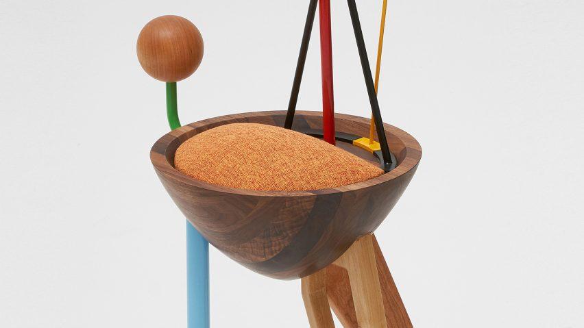 طراحی صندلی انتزاعی متاثر از آثار کاندینسکی