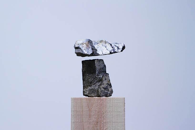 ایجاد تصویری از خلاء با سنگ های معلق در فضا