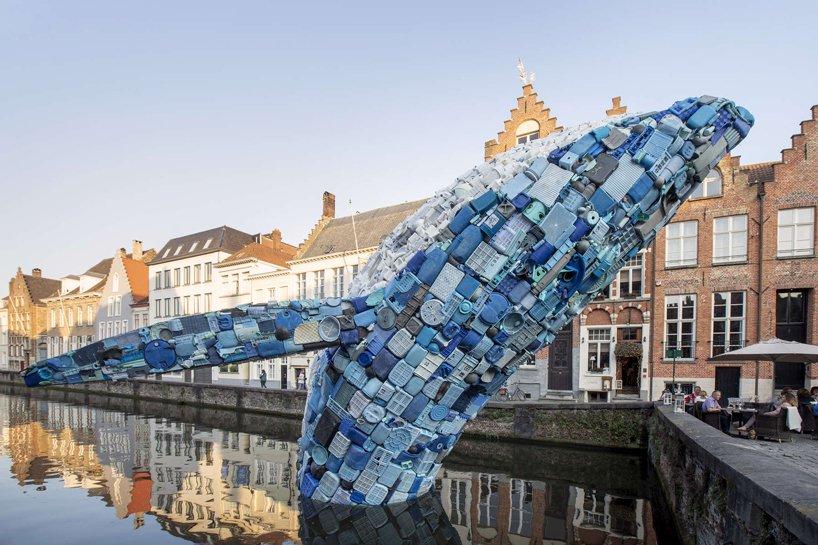 نهنگ ساخته شده از 5 تن ضایعات پلاستیکی