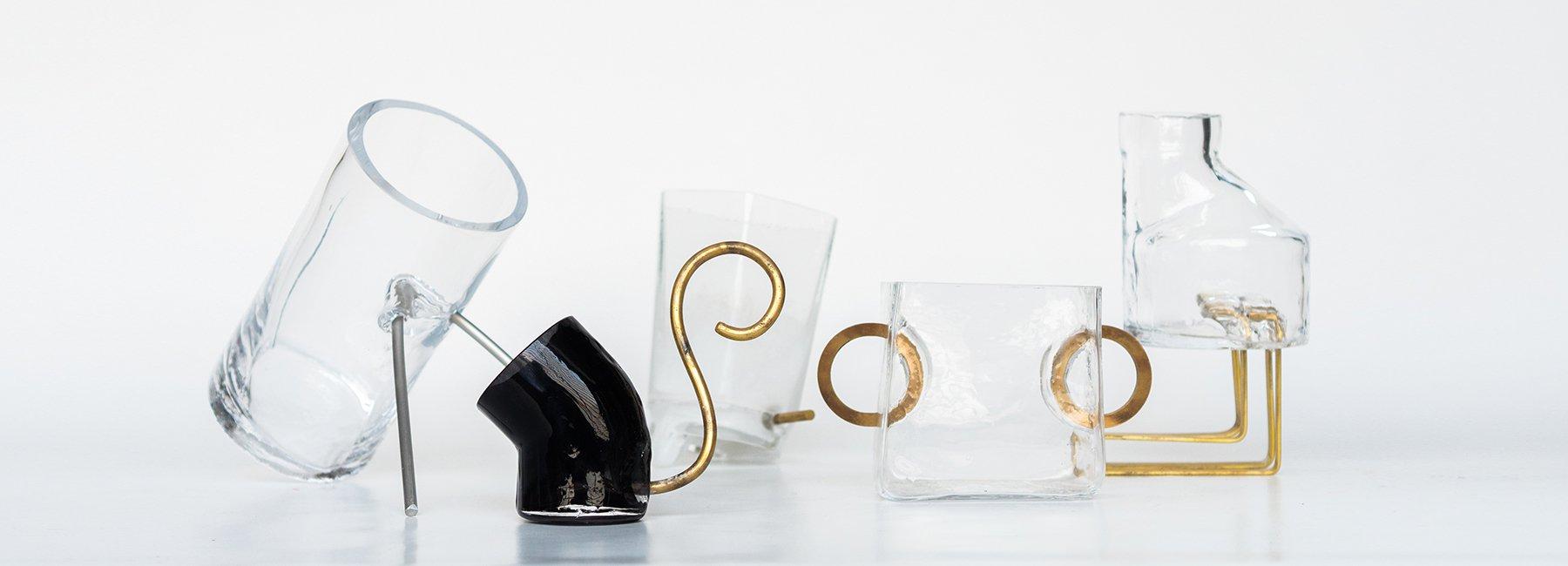 ترکیب خلاقانه شیشه و برنج در ساخت گدان توسط hellène gaulier