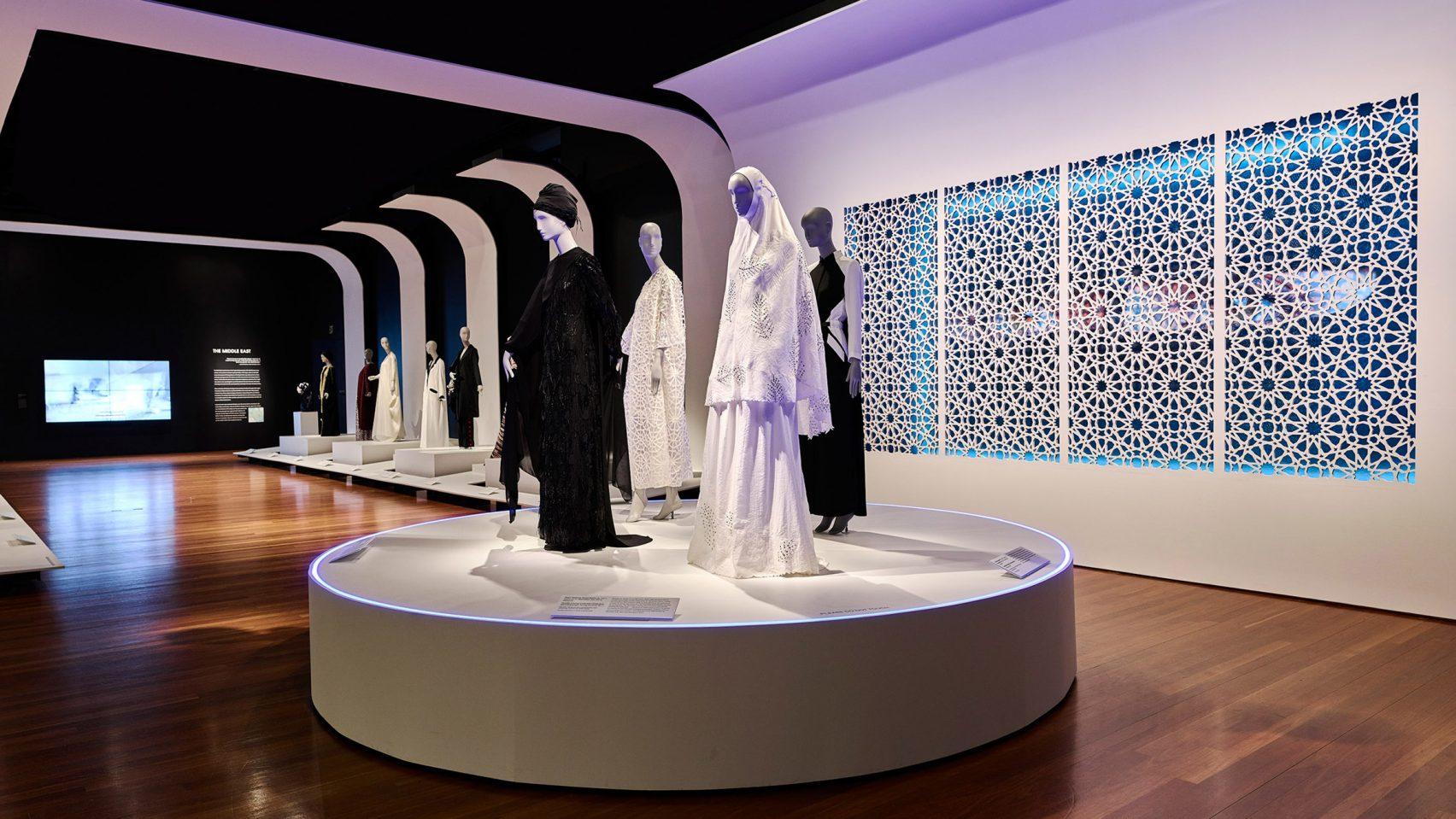 نمایشگاهی از آثار مد، فشن و طراحی لباس اسلامی، در موزه سانفرانسیسکو