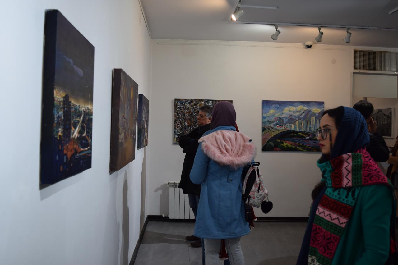 """گزارش تصویری نمایشگاه گروهی """"تهران"""" در گالری پل"""