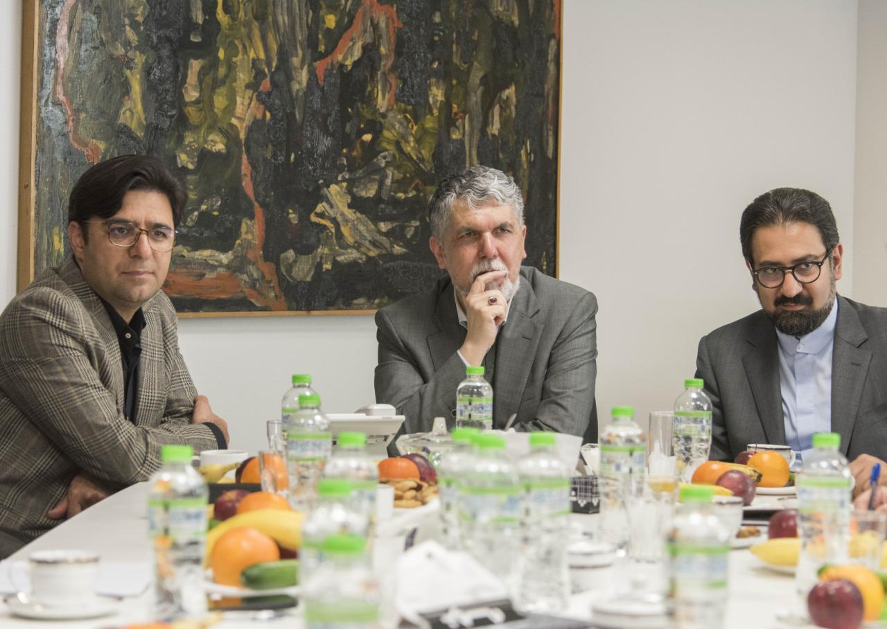 سید عباس صالحی: هنرهای تجسمی نخ تسبیح انسجام اجتماعی جامعه ایرانی است