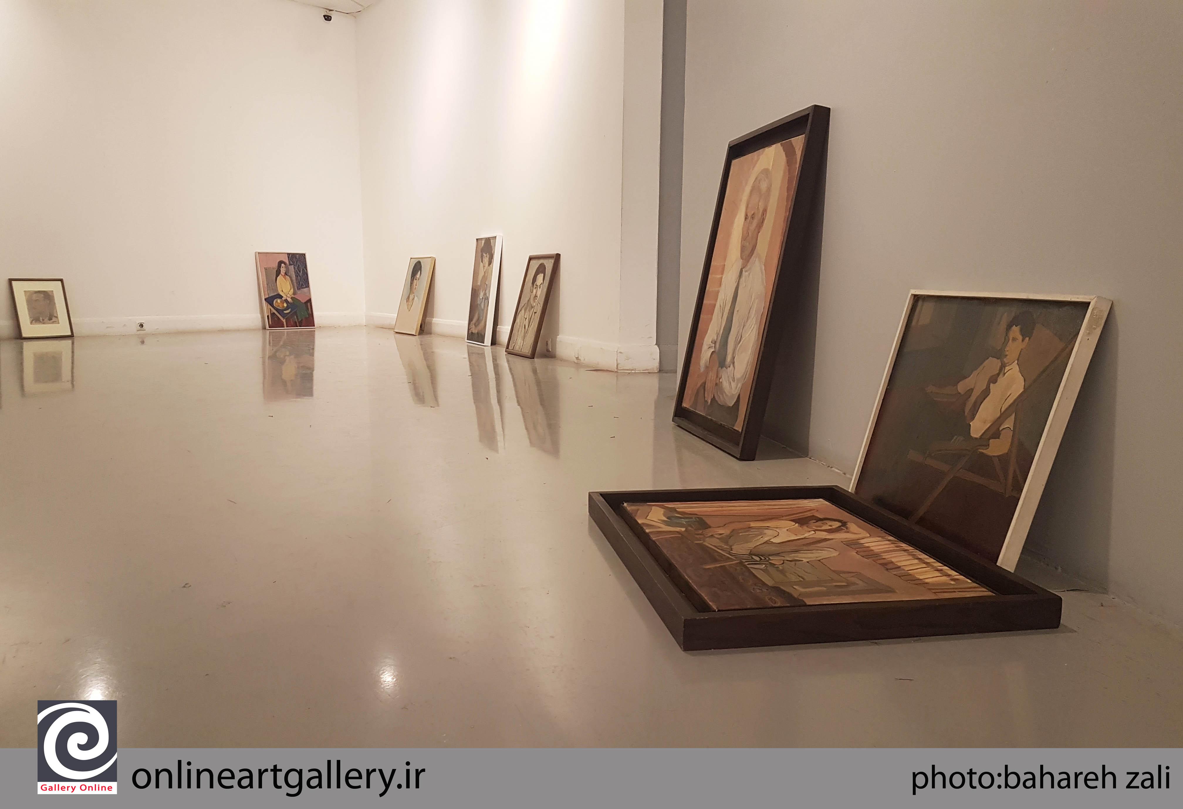 گزارش تصویری از چیدمان نمایشگاه اثار استاد جوادی پور در خانه هنرمندان ایران