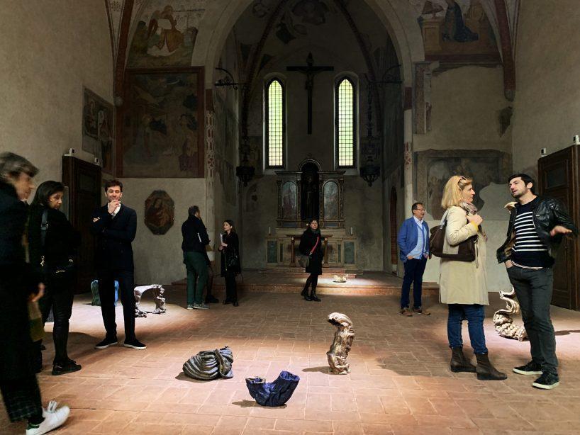 هفتهی طراحی میلان و نمایشی در کلیسای قرن سیزدهم