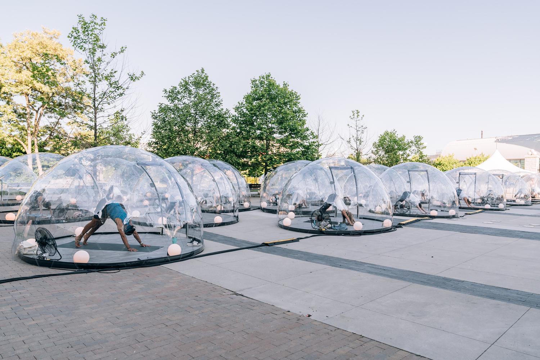 طراحی گنبد های شفاف برای یوگا در فضای باز