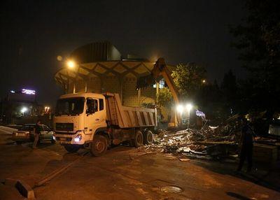 با دستور مقام قضایی سازه ناایمن محوطه تئاتر شهر برچیده شد