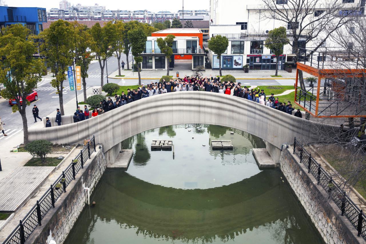 بزرگترین پل عابر پیاده پرینت سه بعدی در چین ساخته شد