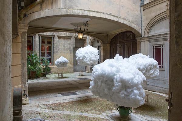 اینستالیشن سر در ابرها در فستیوال معماری های درخشان