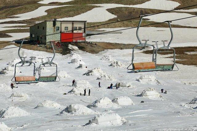 مجسمه های یخی با شروع تابستان ظاهر شدند