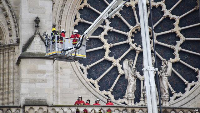 بازسازی کلیسای «نوتردام» به تعویق افتاد