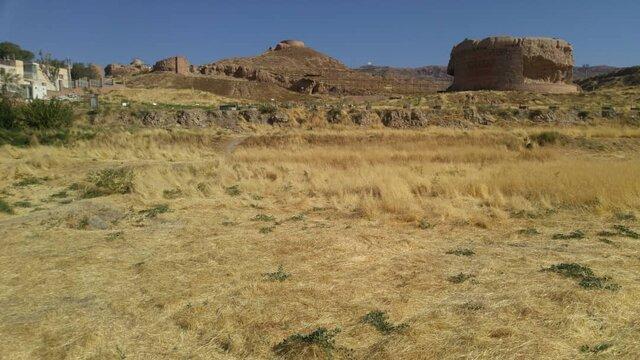 کشف سازهای با کاشیکاریهای ۷۰۰ ساله در ربعرشیدی