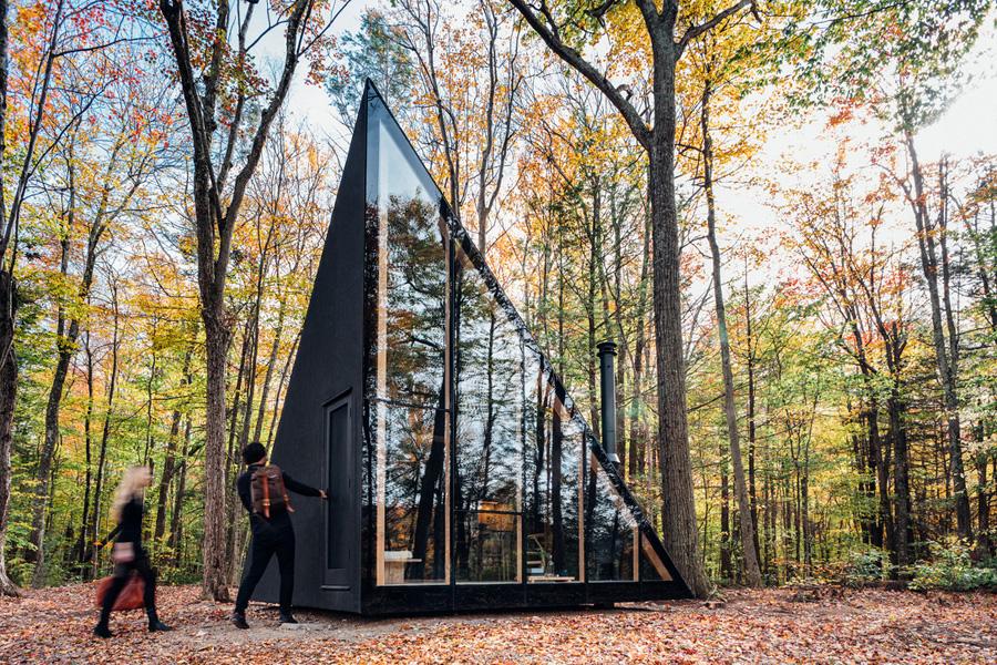 خانه جنگلی کوچک و مدرن