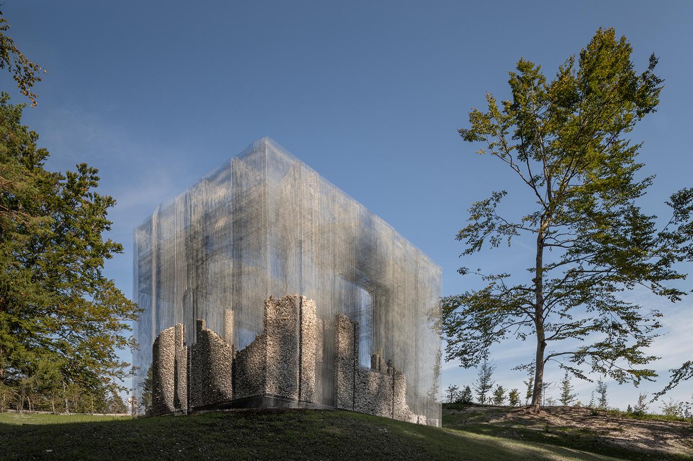 نصب چیدمان سیم پیچی شده در در پارک مجسمه سازی Arte Sella