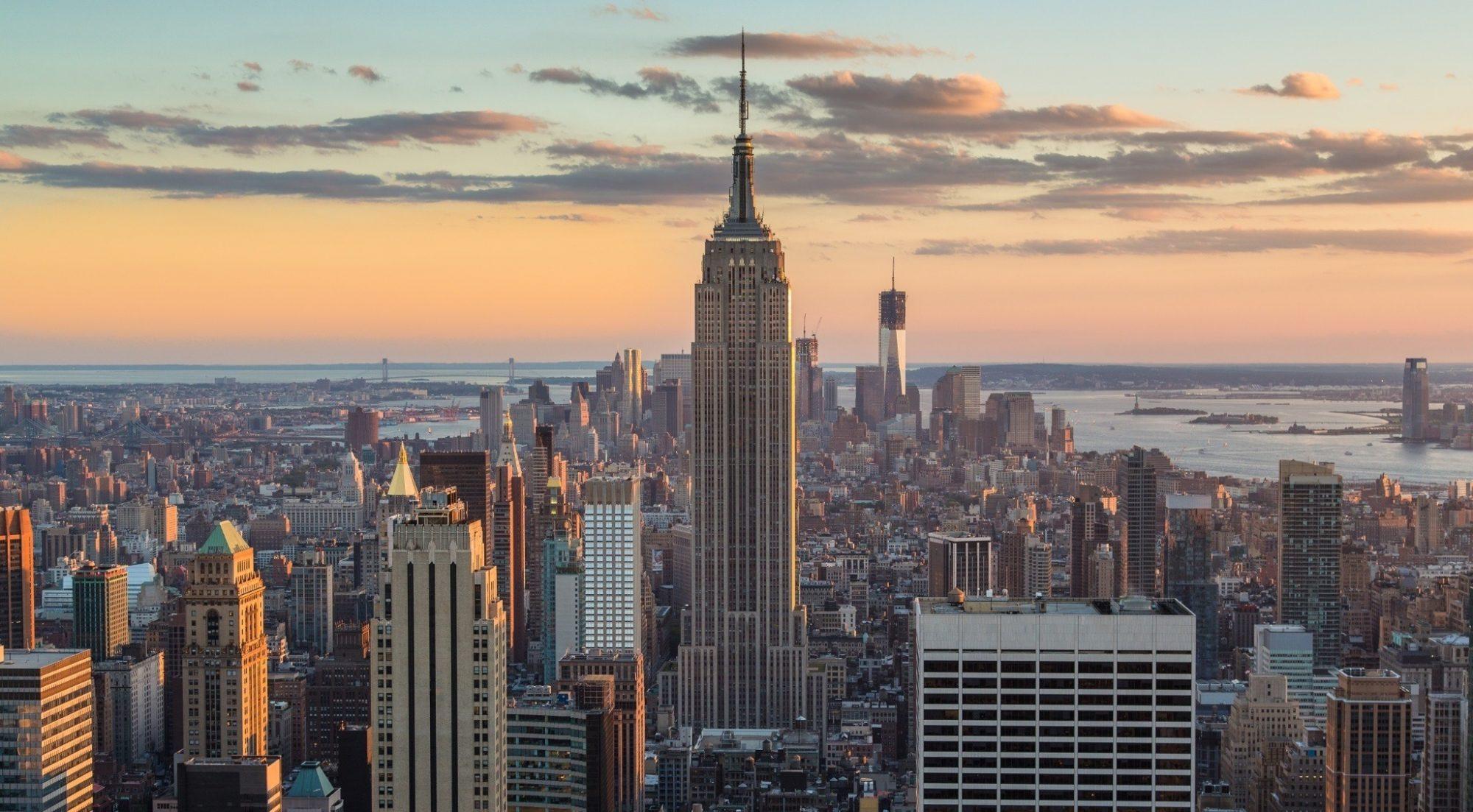 تجسم طراحی آسمان خراش Empire State در 9 سبک مختلف معماری
