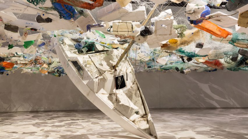 """""""سرریز""""؛ چیدمانی برای هشدار به افزایش زباله اقیانوس ها"""
