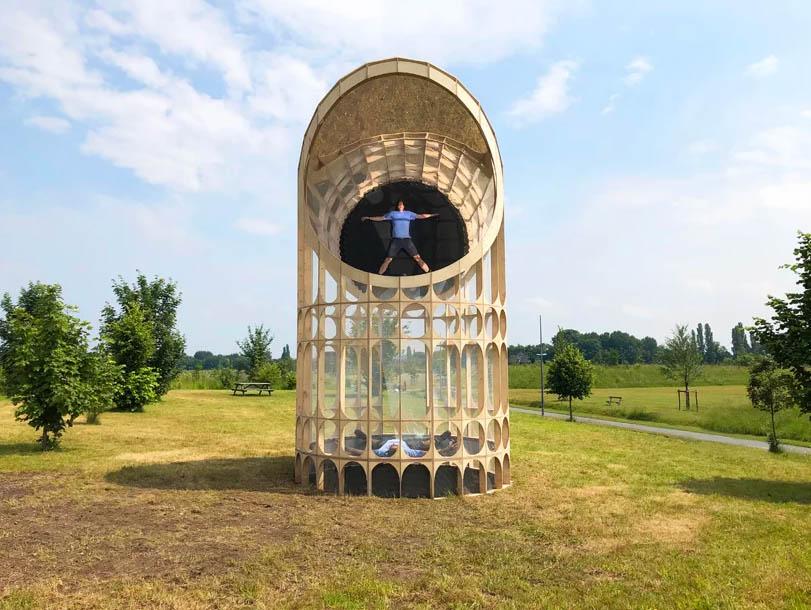 برج ساعت معکوس در فرانسه ساخته میشود