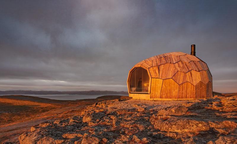 کابین های تخم مرغی شکل چوبی بر فراز کوه های نروژ