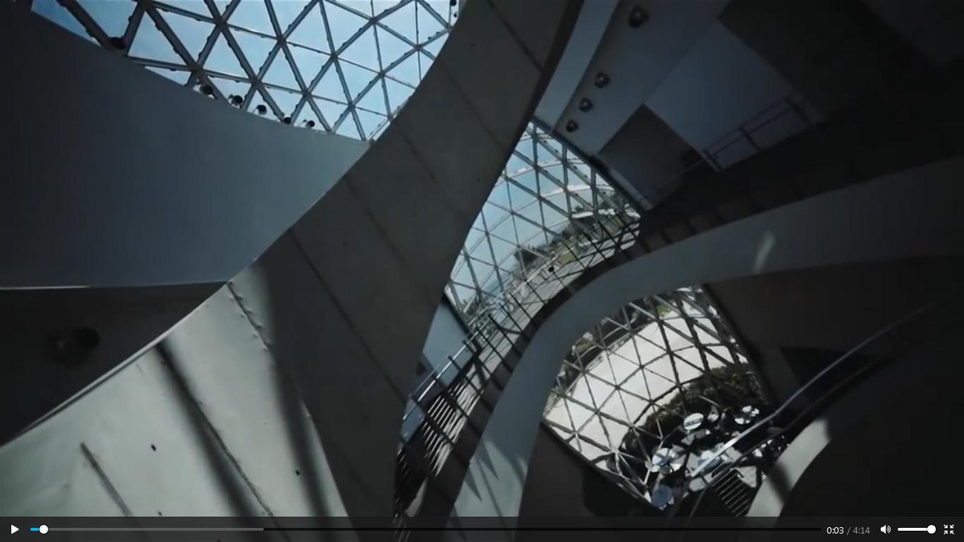 موزه سالوادور دالی، ساختمانی نامتعارف مانند آثار دالی