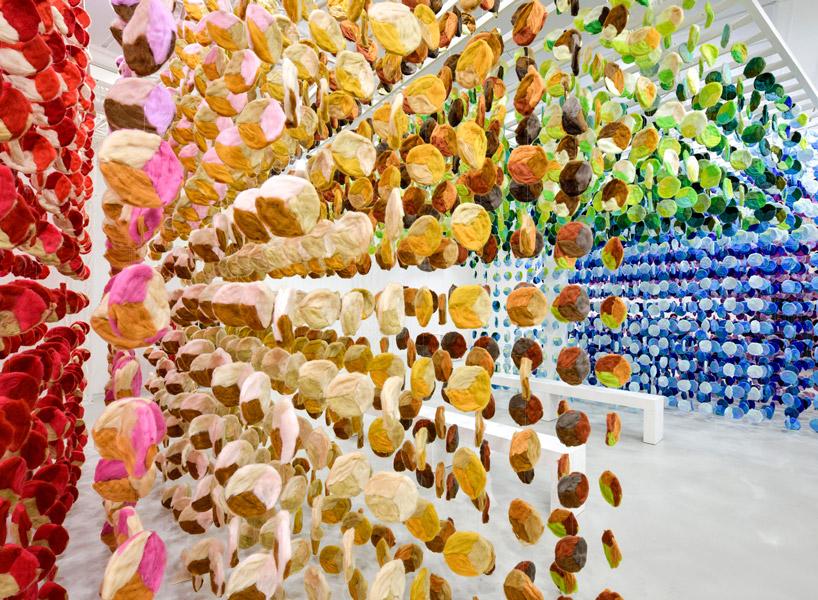 چیدمان knit in 100 colors