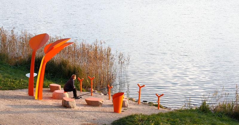 مبلمان عمومی در کنار دریاچه لتونی