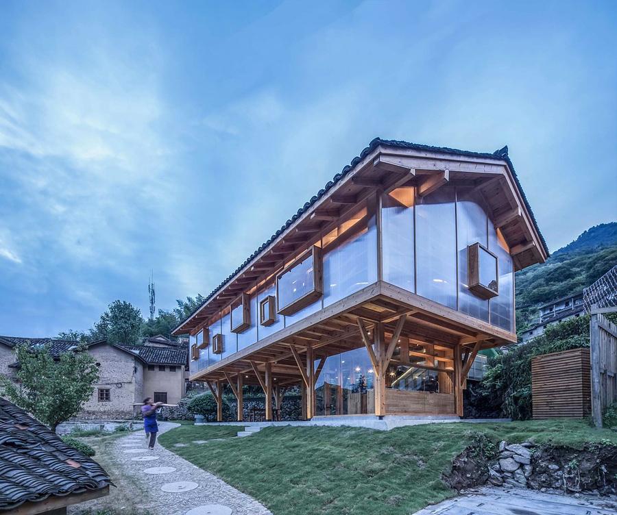 خانه کتاب چوبی با طراحی معماران Shulin