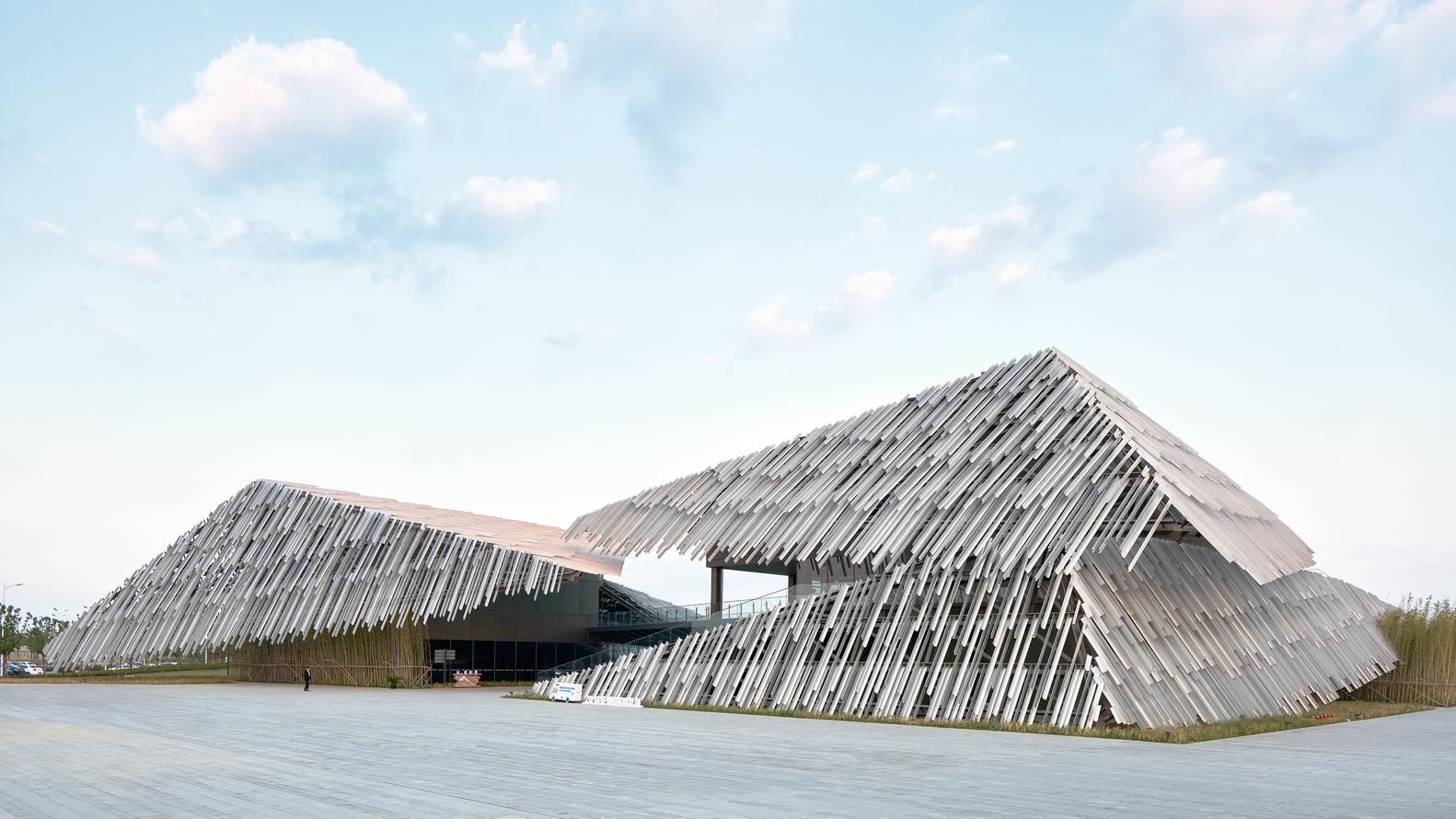 بازگشتی به سوی گذشته با نگرش به معماری مدرن