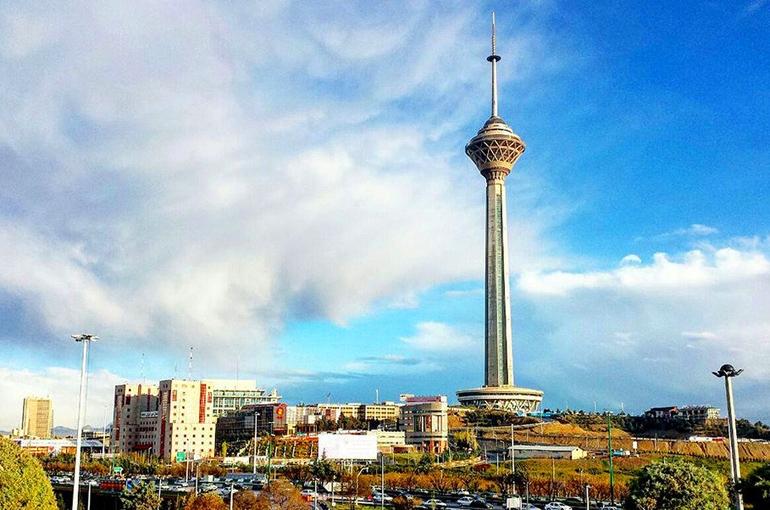 معاون شهرداری تهران: خطری برج میلاد را تهدید نمیکند
