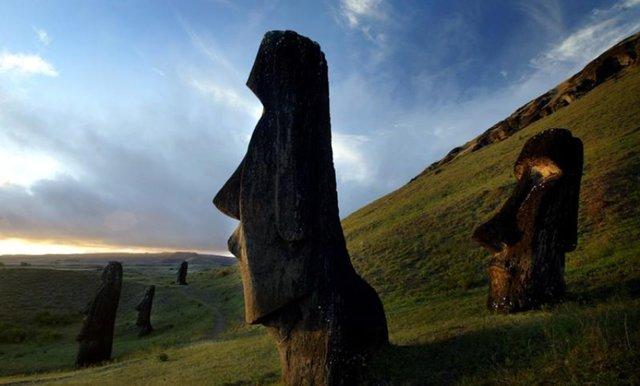 یکی از مجسمههای موآی به موزه بریتانیا باز می گردد