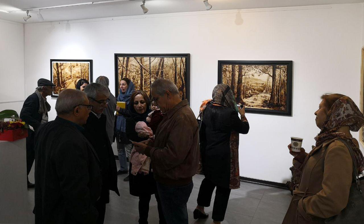 """گزارش تصویری نمایشگاه """"قیرگون"""" در گالری پل"""