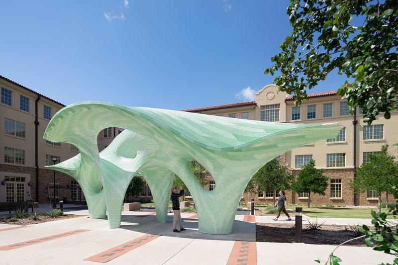 دانشگاه فناوری تگزاس مجسمه جدیدی از Marc Fornes رونمایی کرد