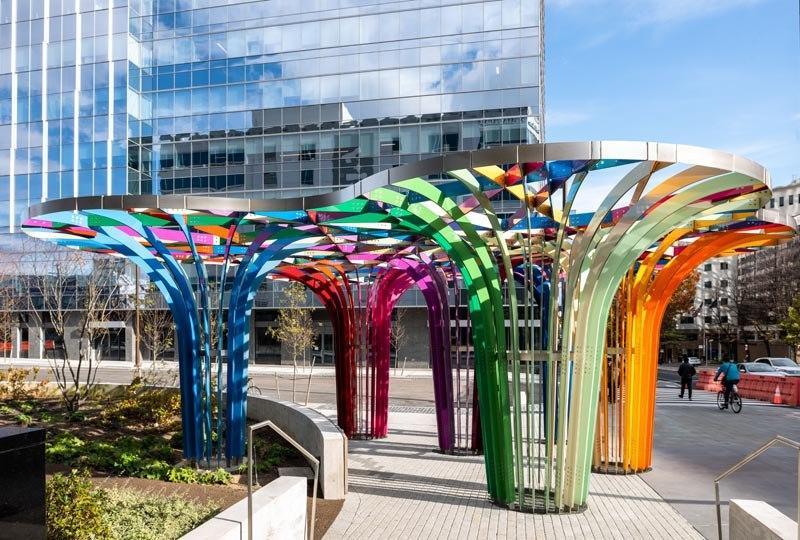 مجسمه رنگارنگ در خیابان های فیلادلفیا