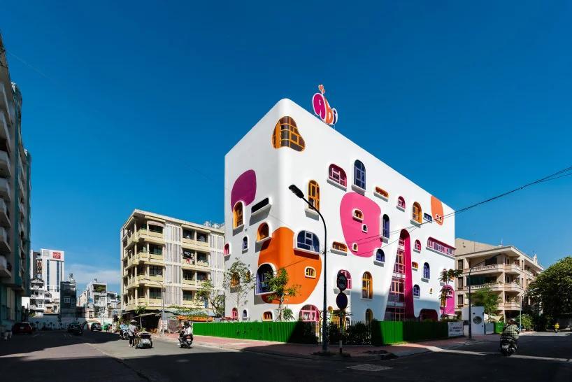 """رو نمایی شركت معماری kientruc o  از مهد کودکی با نشاط به شکل """"کلبه بازی"""" در شهر هوشی مین"""