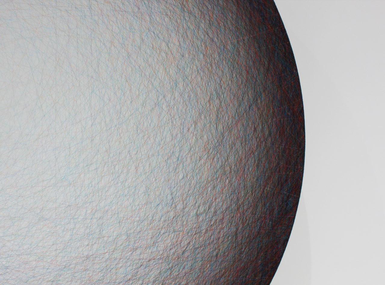 خلق آثار هنری از پلاستیک های حباب دار و رشته های نخ توسط Emil Lukas