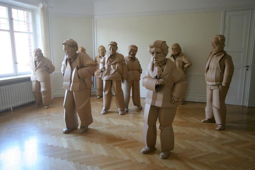 ساخت مجسمه هایی از اجداد روستاییِ چینی در اندازۀ واقعی