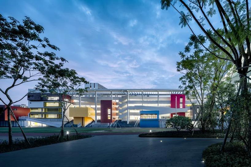 طراحی فضای باز مدرسه در shenzhen با طراحی zhubo - aao و H design