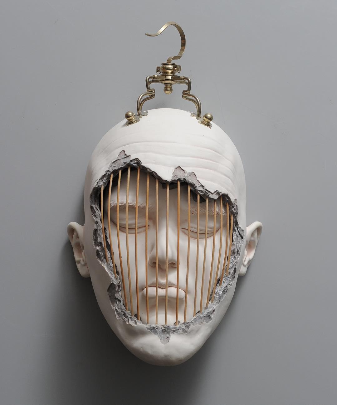 کاوش فضای میان آگاهی و ناخودآگاهی در آثار Johnson Tsang
