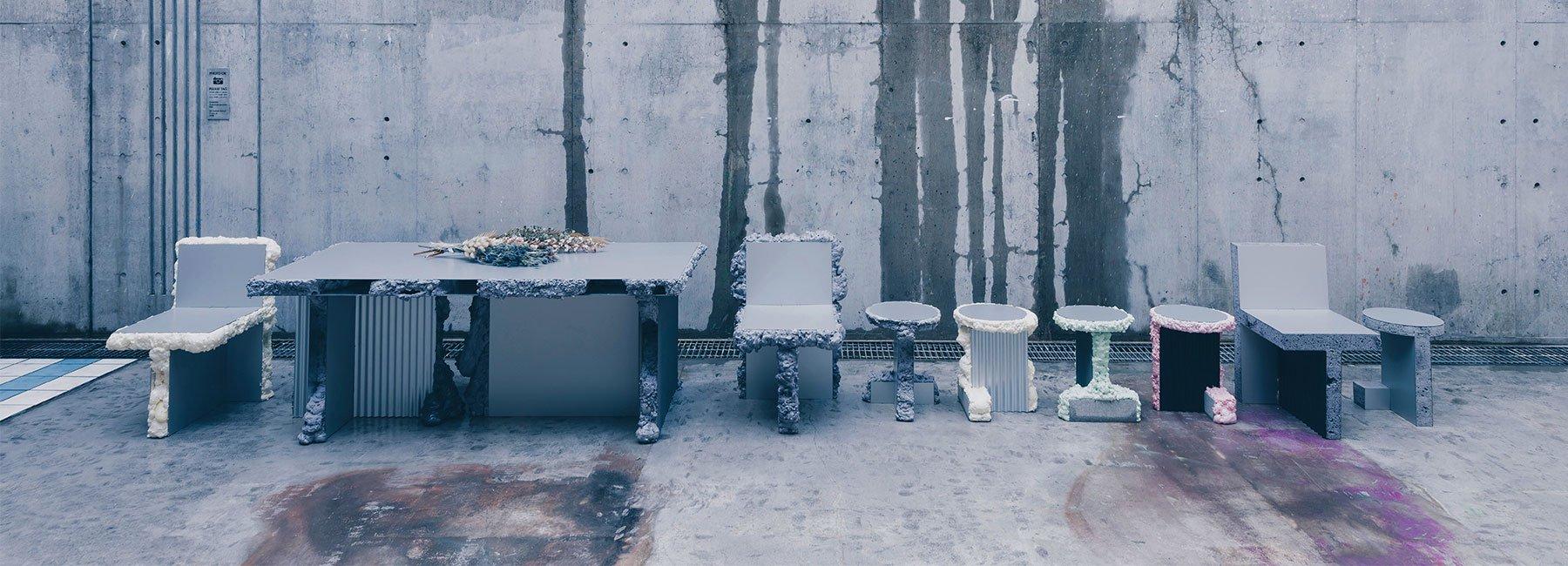 گزارش تصویری طراحی صندلی هایی از ورقهای فلزی و اسپری اورانیوم