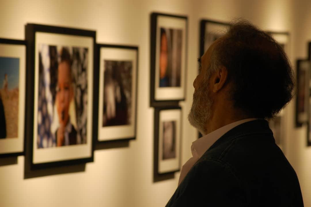 """گزارش تصویری نمایشگاه """"گفتگو با مغاک"""" در گالری گویا"""