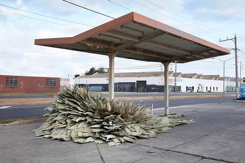 چیدمان زیست محیطی در پمپ بنزین