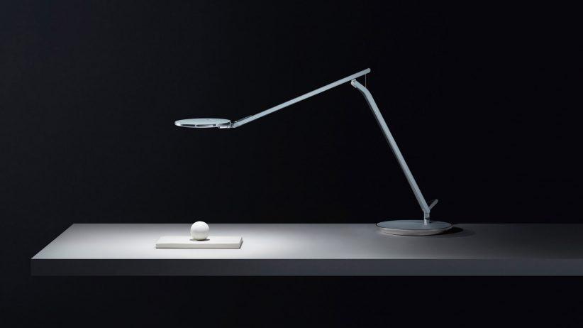 طراحی لامپ Humanscale Infinity برای مبارزه با فشار چشم از صفحه نمایش های رایانه